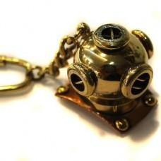 """Брелок """"Подводника"""" из желтого золота.."""