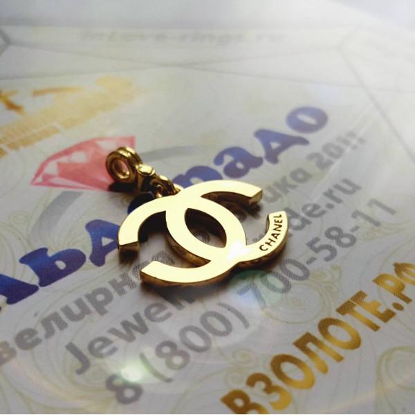 "Кулон ""Chanel"" из желтого золота"