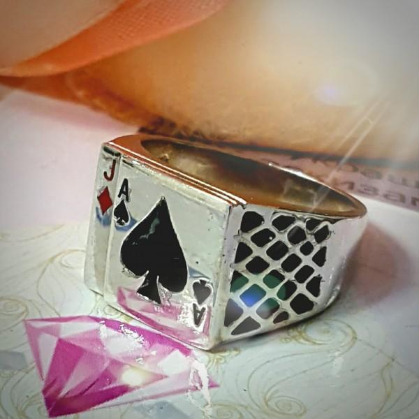 """Перстень из белого золота с эмалью """"Игральные карты"""""""