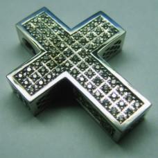 Крест из белого золота с бриллиантами..