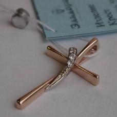 Маленький Католический крестик из комбинированного золота с бриллианта..