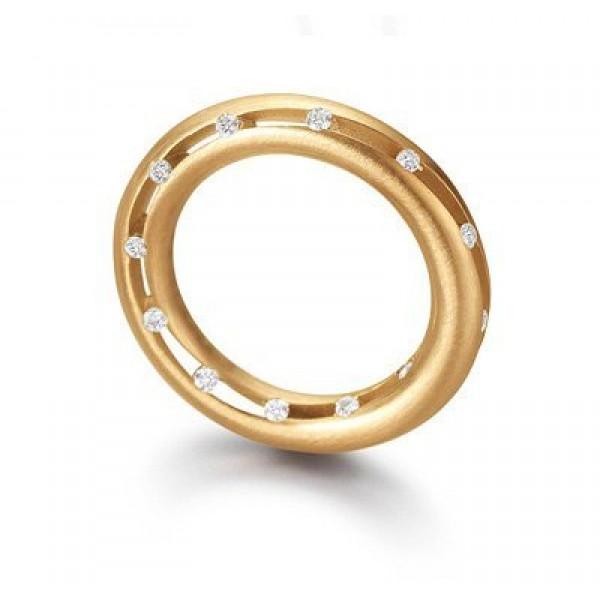 Кулон из красного золота с бриллиантами