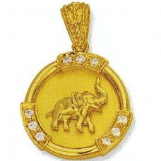 Кулон из желтого золота с бриллиантами..