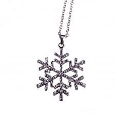 Кулон 'Снежинка' из белого золота с бриллиантами..