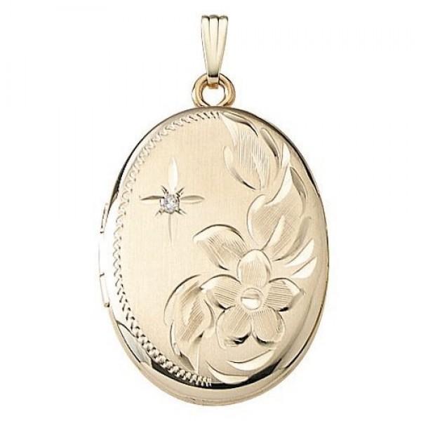 Медальон из красного золота с бриллиантом
