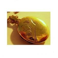 Медальон из желтого золота..
