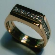 Печатка из комбинированного золота с бриллиантами..
