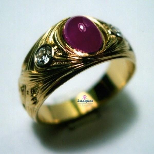 Перстень из желтого золота с рубином и бриллиантами