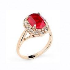 Кольцо из розового золота с рубином и бриллиантами..