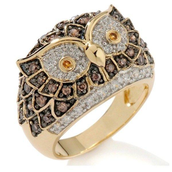 Кольцо из желтого золота с бриллиантами, рубинами и сапфирами
