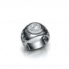 Мужской перстень из белого золота с бриллиантами..