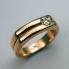 Печатка из красного золота с бриллиантом..