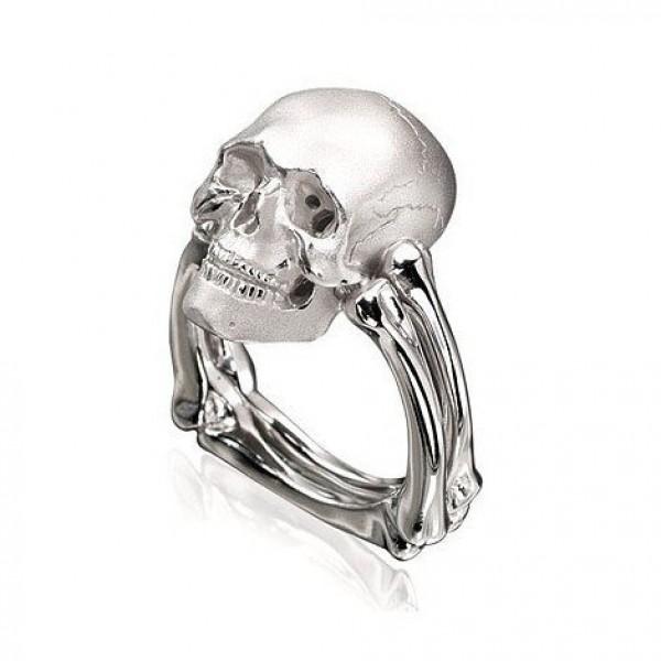 Перстень 'Череп' из белого золота