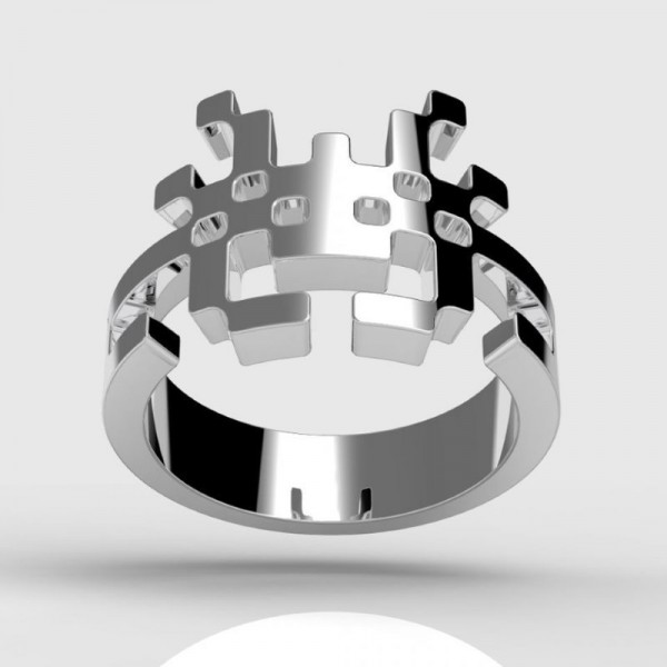 Перстень из белого золота