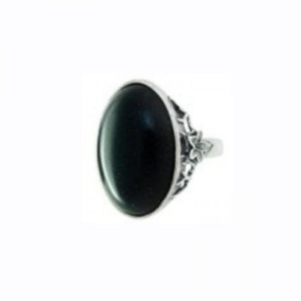 Перстень из белого золота с агатом