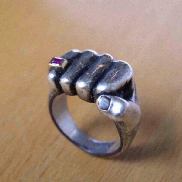 Перстень из белого золота с аметистом