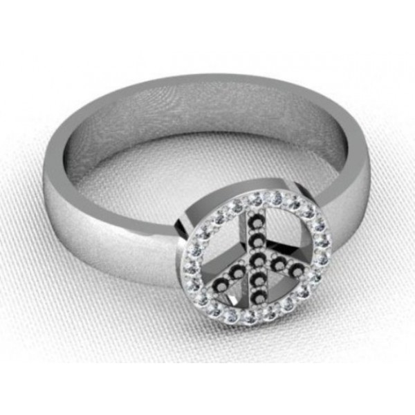 Перстень из белого золота с бриллиантами