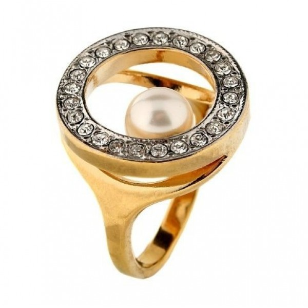 Перстень из комбинированного золота с бриллиантами и жемчужиной