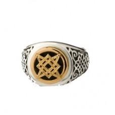 Перстень из комбинированного золота с эмалью..
