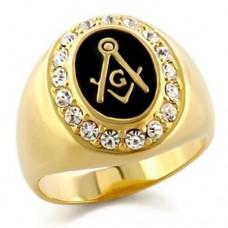 Перстень из желтого золота с бриллиантами и черной эмалью..