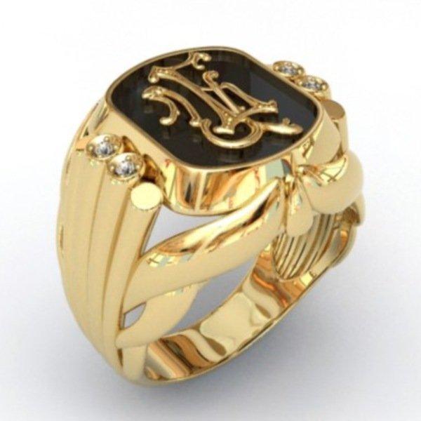 Перстень из желтого золота с эмалью и бриллиантами