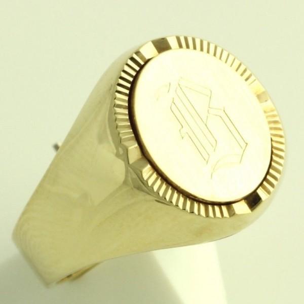 Перстень из желтого золота с инициалами