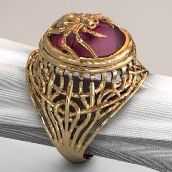 """Перстень из желтого золота с рубином """"Кабашон"""""""